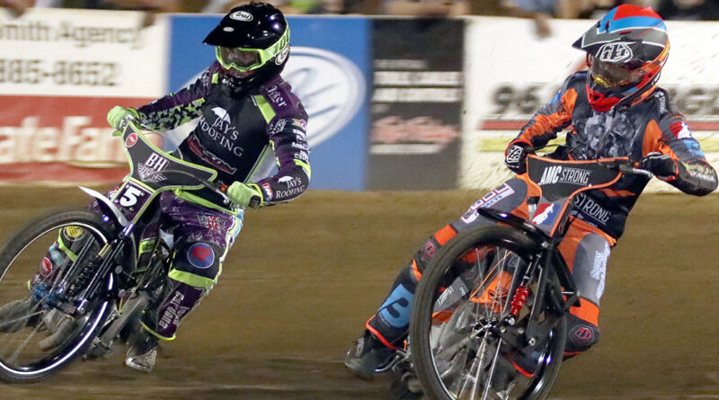 Max Ruml and Gino Manzares racing in the 2021 Speedway National Championship.