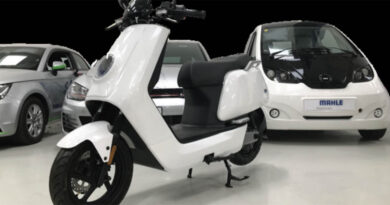 E-scooter that can hold lithium-carbon battery technology